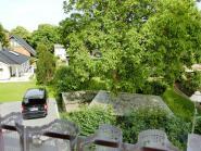 Blick aus dem Schlafzimmer zum ruhigen Pfirsichweg (Havel wegen Nussbaum nicht zu sehen im Sommer)